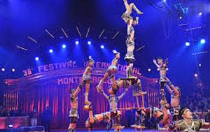 Acrobates au cirque de Monte-Carlo